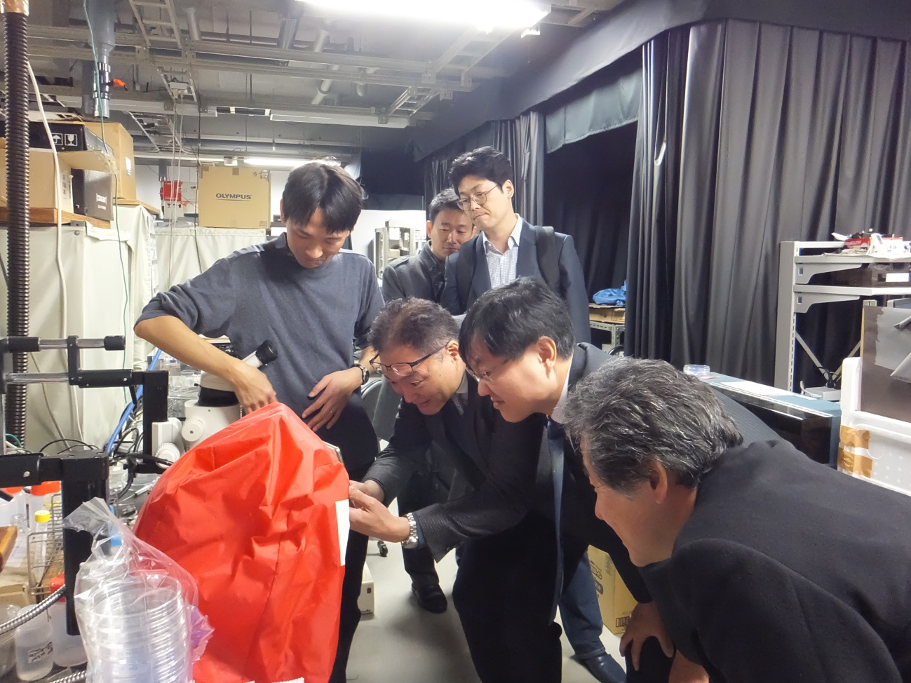 Interested in Insect-Robots (Kanzaki Lab)